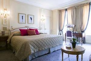 Rom på Le Meurice Paris